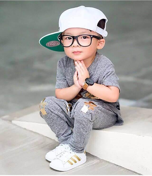 عکس پسر بچه برای استوری اینستاگرام