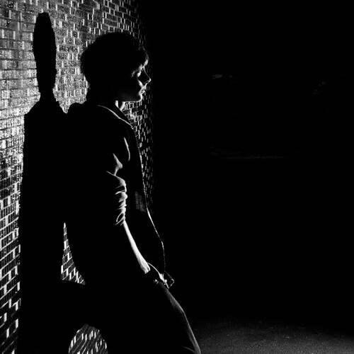 پروفایل تنهایی و غمگین تاریک