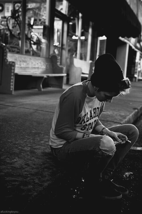 عکس پروفایل غمگین پسرانه تنها