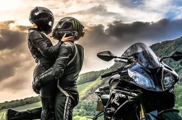 دانلود عکس پروفایل موتور سواری عاشقانه