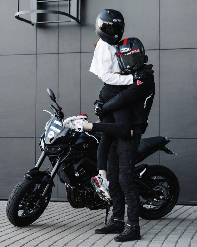 دانلود عکس موتور سواری عاشقانه