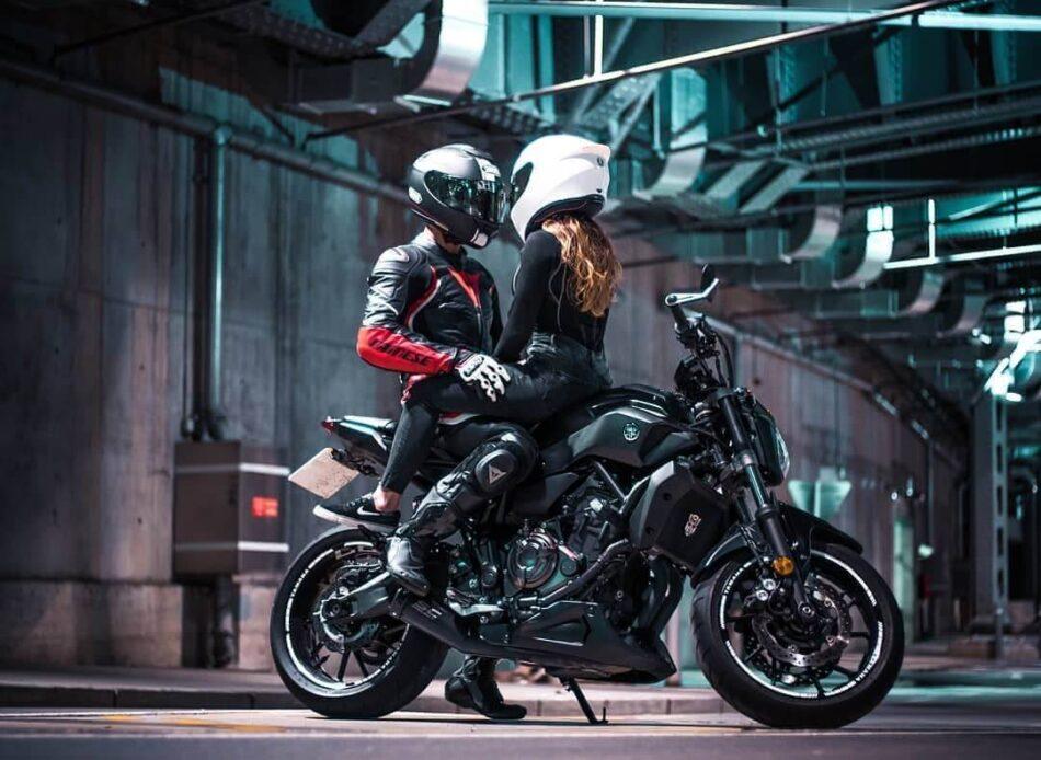 دانلود عکس موتور سواری عاشقانه و دونفره برای پروفایل