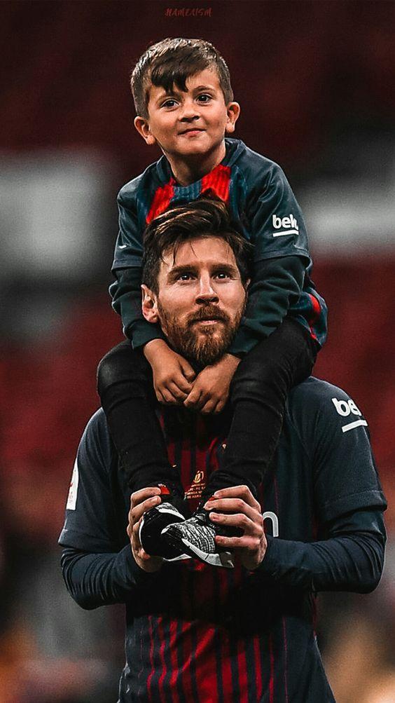 والپپیر لیونل مسی و پسرش