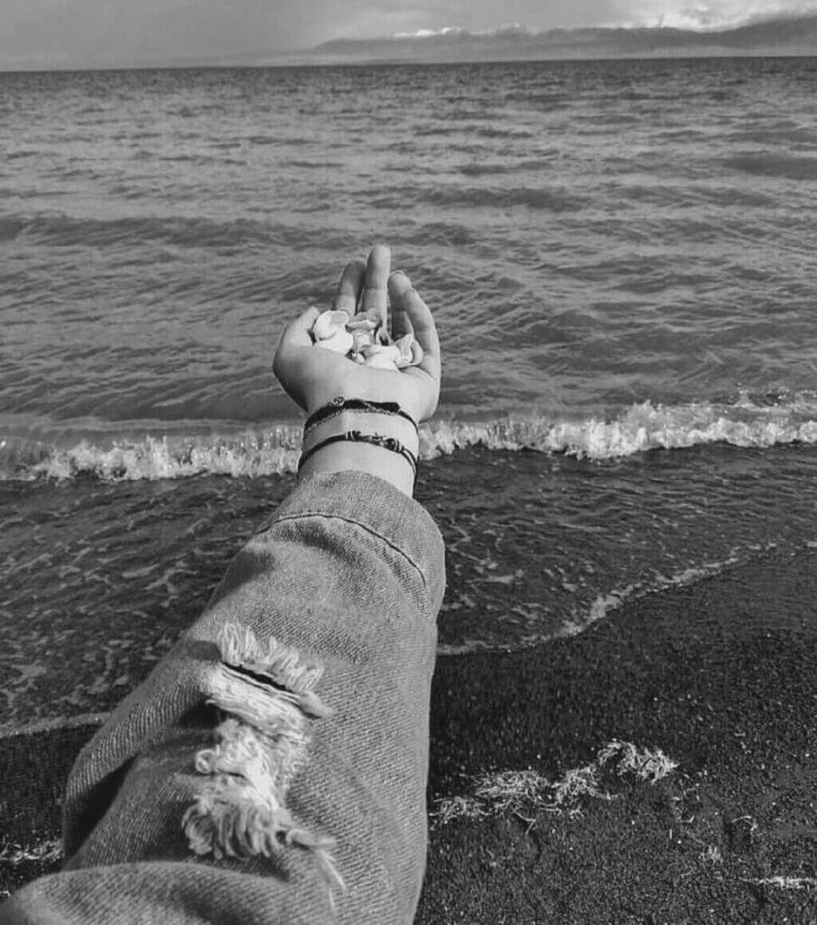 عکس پروفایل سیاه سفید دریا