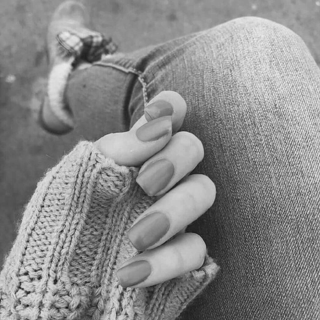 عکس پروفایل شیک سیاه و سفید دخترانه